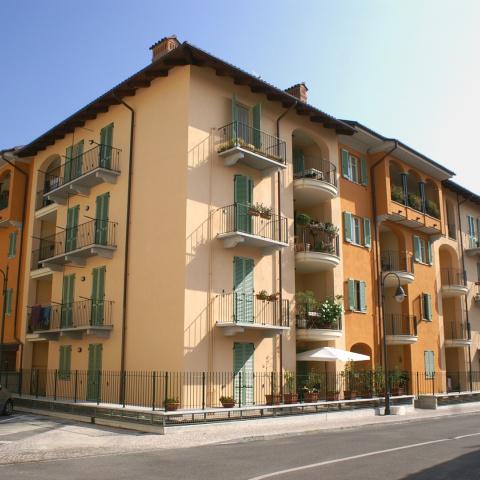 Mimosa Piazza Romanisio - Unità abitative e commerciali